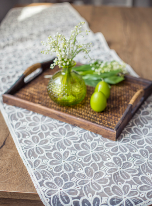 lace-table-runner