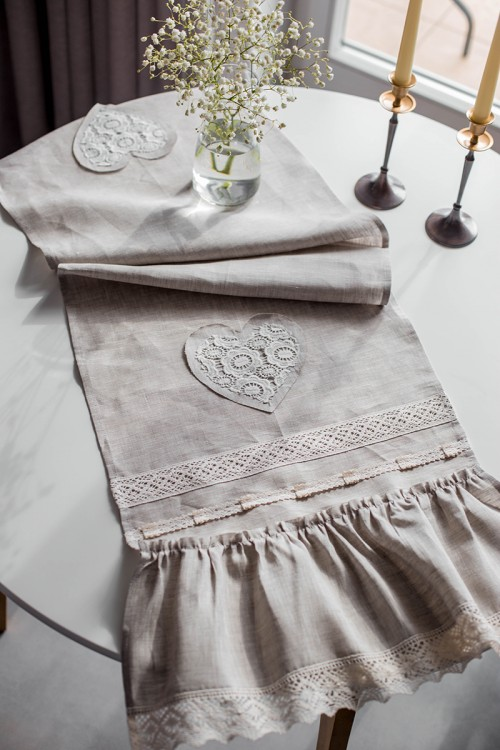 vintage-table-runner